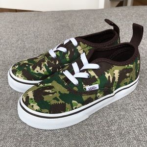 BRAND NEW! VANS Dinosaur Print Slip-On Sneakers